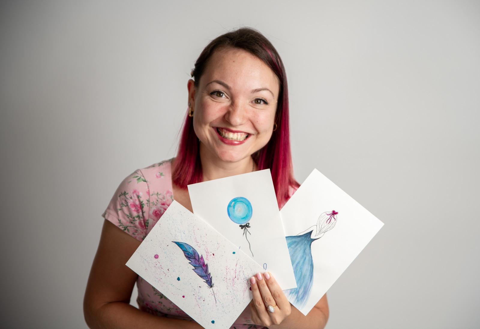 אלונה לסטר יוצרת לוגו מאויר לעסק ומאיירת